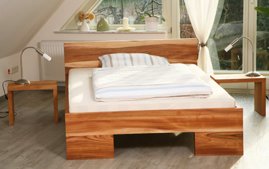 massivholzbetten bett holz massivholz g nstig nach ma betten. Black Bedroom Furniture Sets. Home Design Ideas