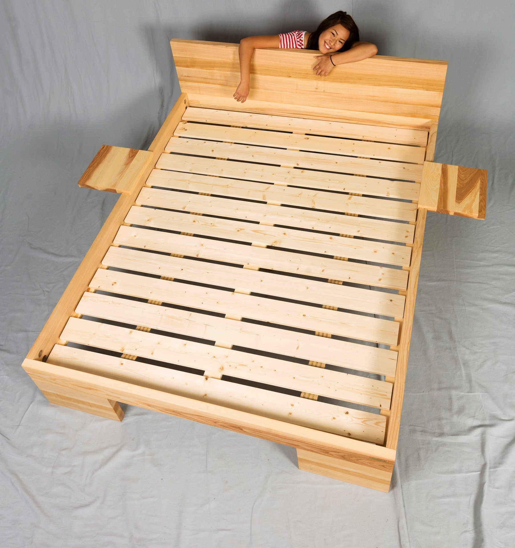 holzbetten mit lattenrost matratze bett g nstig 90 140 120. Black Bedroom Furniture Sets. Home Design Ideas