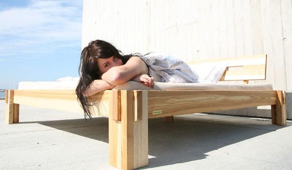 holzarten massivholz esche f r betten tische und regale g nstig m bel kaufen. Black Bedroom Furniture Sets. Home Design Ideas