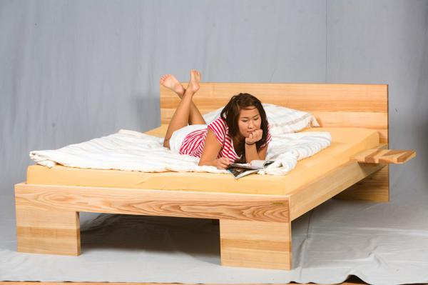 bett betten massivholz preise g nstig holzarten massiv. Black Bedroom Furniture Sets. Home Design Ideas