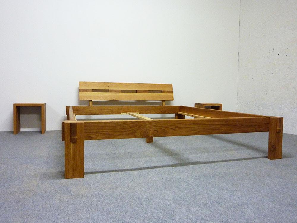 das massivholzbett hiddensee aus eiche. Black Bedroom Furniture Sets. Home Design Ideas